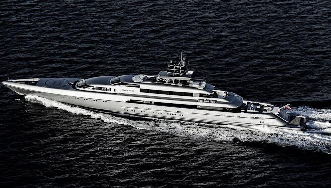Så skal de vandrette fotos for alvor tages i brug... Her har du dagens yacht: Silver Fast