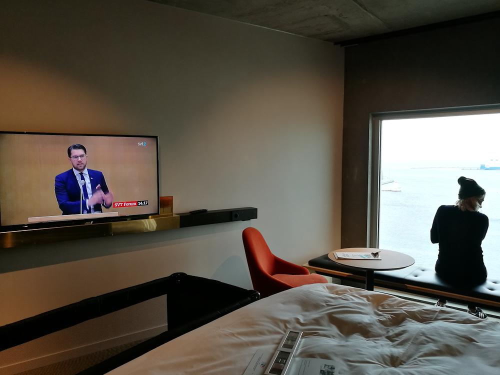 TV, seng og udsigt