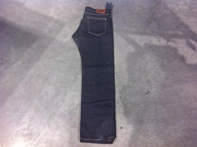 Mørke Paul Smith Jeans før 1.200 kroner, nu 840 kroner