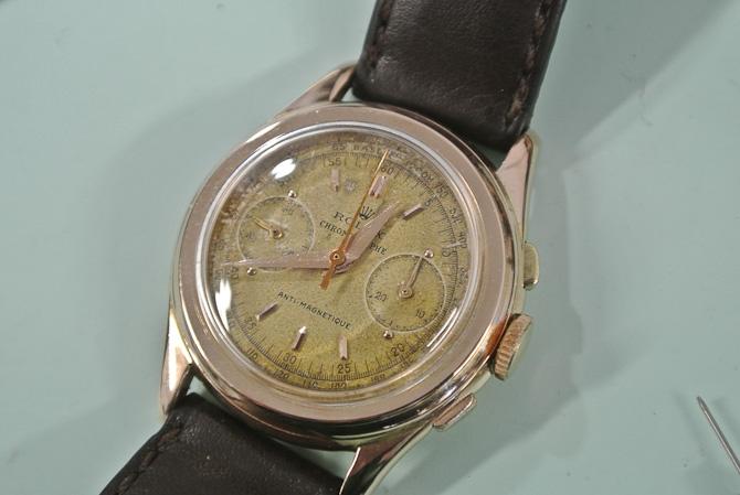 Det er langt fra det første ur, som Jannik fik, men altså: Fin, klein vintage Rolex i rødguld med chronographfunktion.