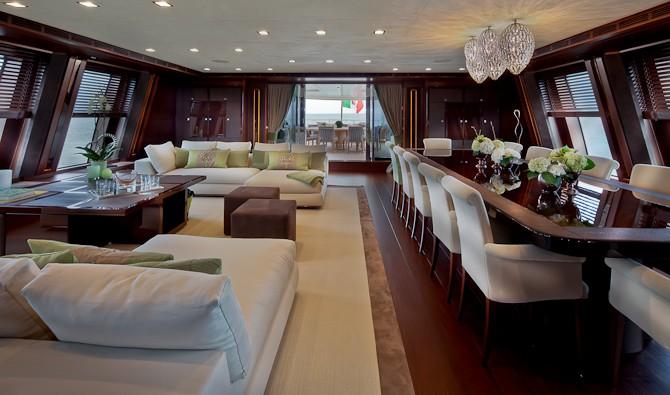 Øvre salon med plads til 12+