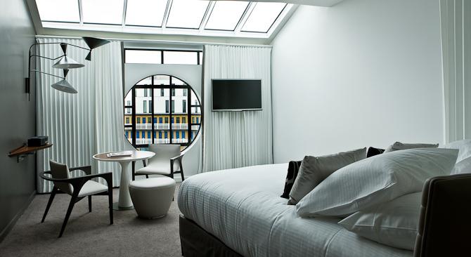 Det nyligt indviede Hotel Molitor er centreret omkring den udendørs, som samtlige værelser har udsigt til.  Foto: GILLES TRILLARD