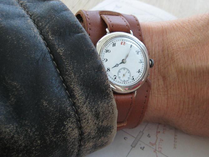 Uret går som et schweizisk urværk, og bliver brugt som hverdags ur.