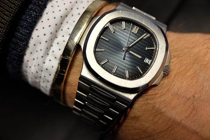 Armbåndet. Og uret.