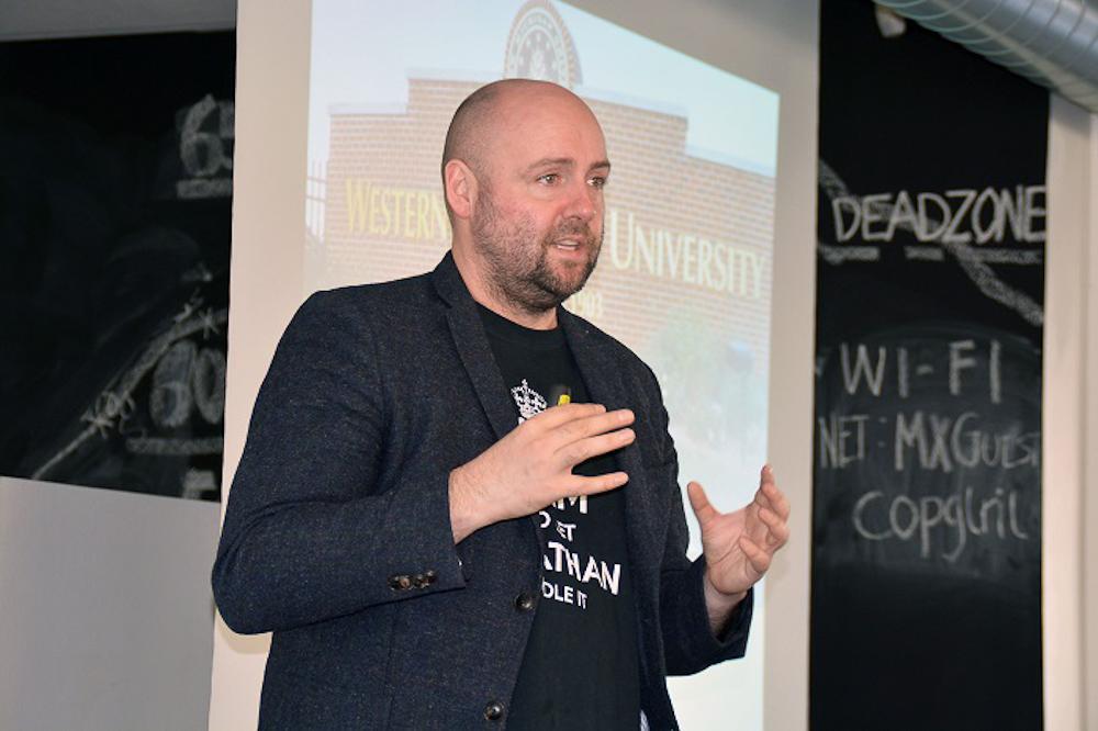 Jonathan Løw - i et foredrag
