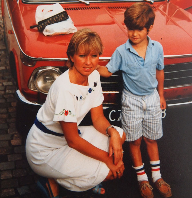 Min mor og jeg. Engang i firserne.