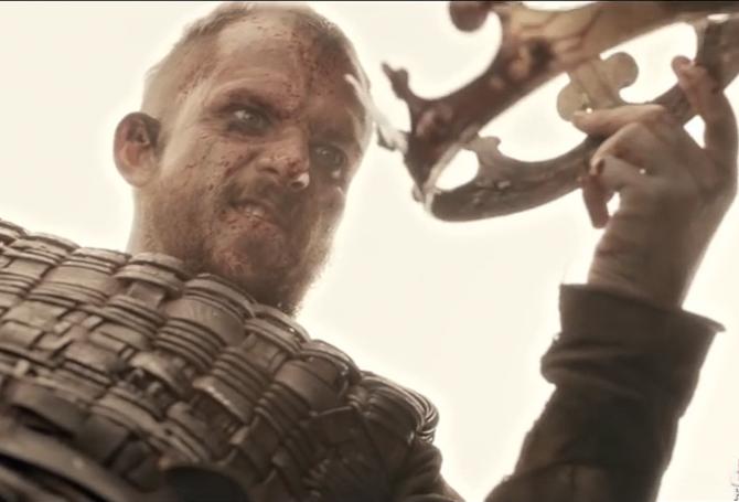 En viking og en kongekrone. Hvordan han har fået fingre i den sag, melder historien ikke noget om...