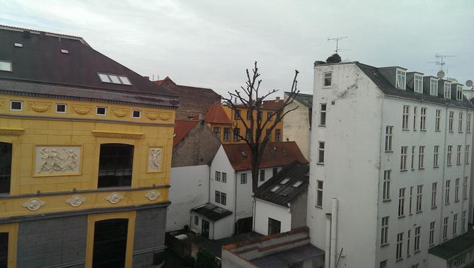 Dødssygt vejr, men herlig klumpet byarkitektur