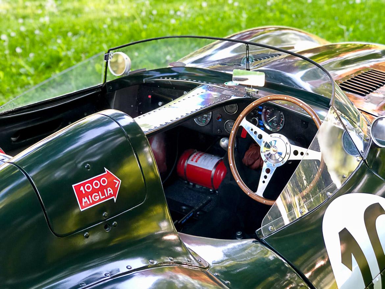 Jaguar d-type replica