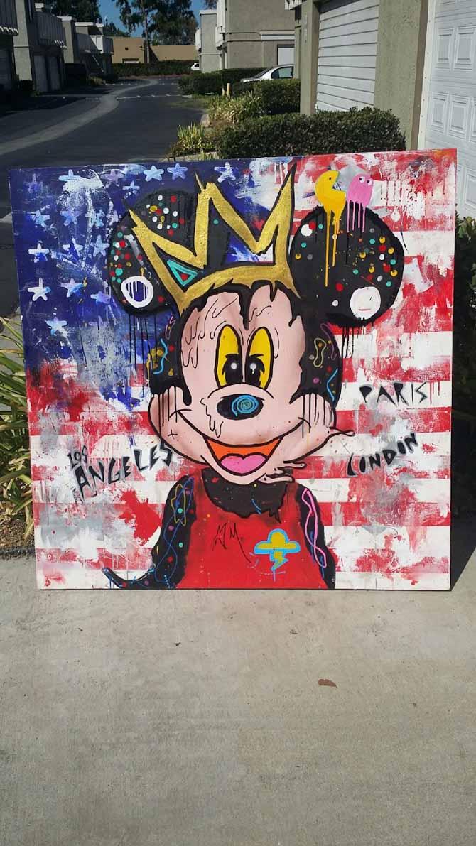 Et nyt maleri af den hotteste Street artist i LA som jeg købte i forrige uge. Han er kun 16 aar men har alleredde udstillet på nogen af de bedste Gallerier i London, N.Y & Paris. 3 dage senere havde en fra Disney familien kontakten ham, fordi de ville købe det, men jeg havde afhentet det og det var specielt lavet til mig:-) Han er en cool lille fyr og hedder Skyler Grey.