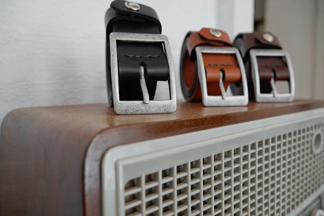 Udvalgte bælter på ældre radio