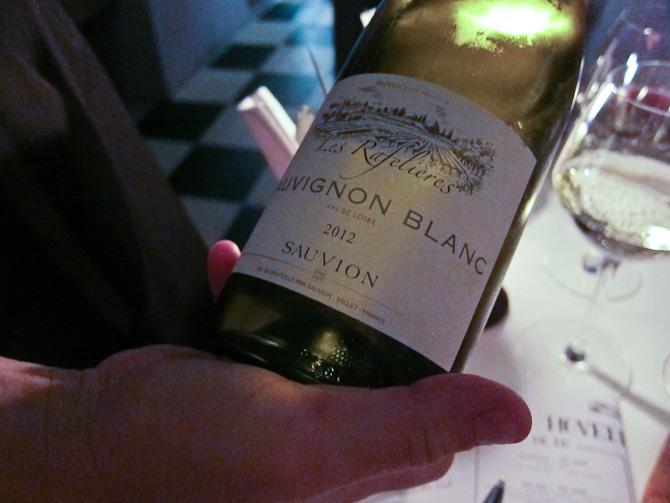 Den hvide vin - spørg endelig løs, for de hjælper gerne med noget, der passer til det, du skal spise. Og du bliver ikke flået. Denne sag kom efter cava'en.