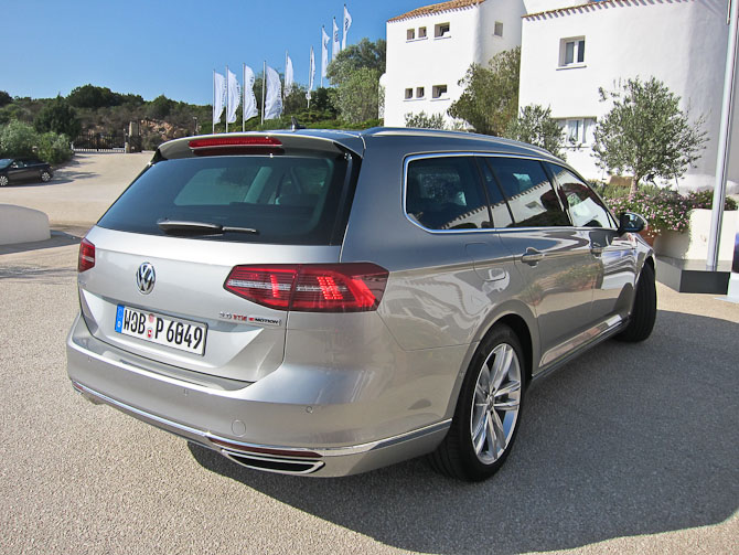 VW Passat stationcar anno 2014. Den ser du ikke flere fotos af i dette indlæg.