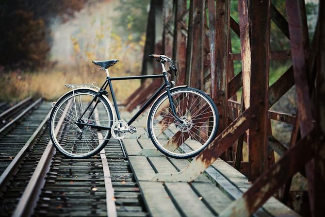 Et til årstiden særdeles passende foto. Blive klogere på de to hjul herunder...
