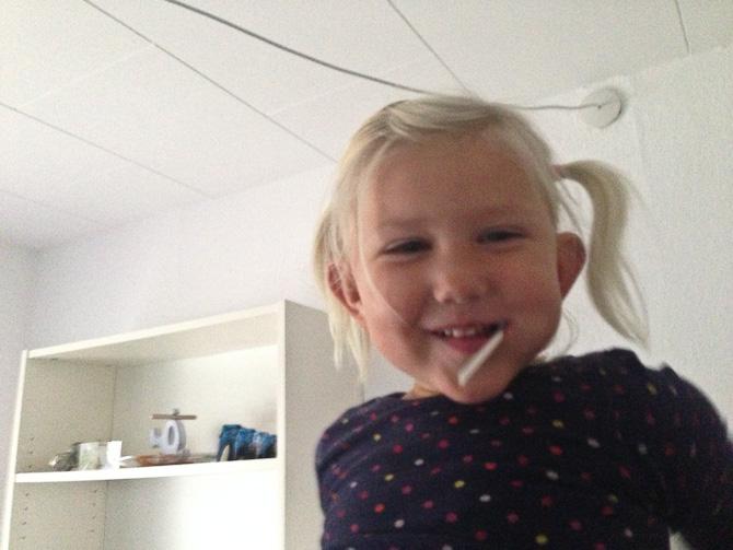 Mød en af mine niecer. Amalie.