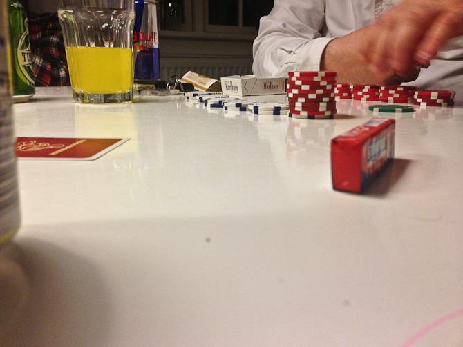 Der blev gamblet. Jeg kiggede dog kun på.