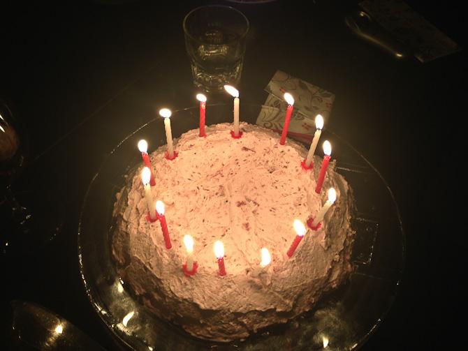 Lys i kagen og hurra.