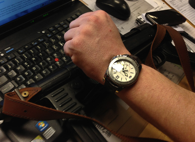 Per har fået ny klokke. Og gammelt våben.