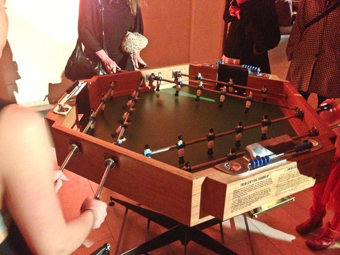 Statens Museum for Kunst inviterede til fredagsbar med Jorn-relateret bordfodbold