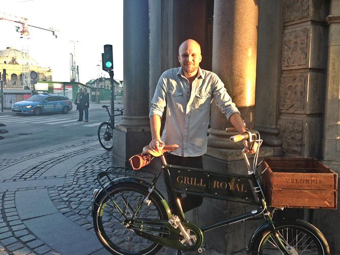 Petter med sin nye cykel