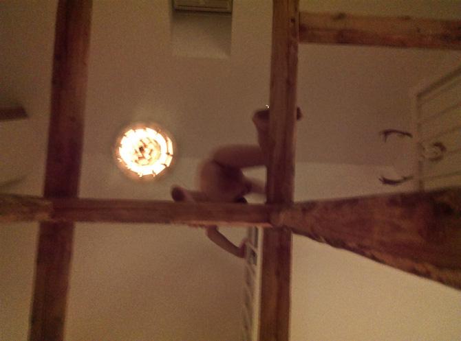 Det er Koglen, der hænger i loftet