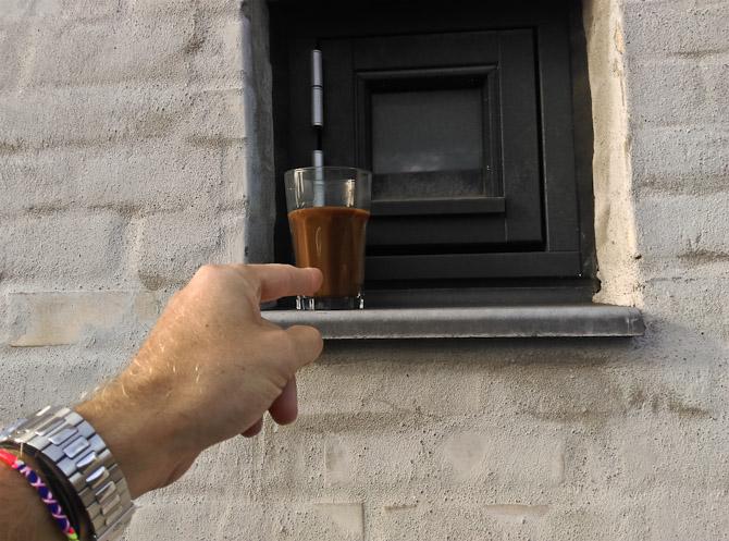Et lille vindue og den ugentlig kaffe