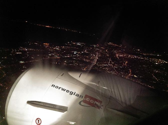 Vi landede i mørke.