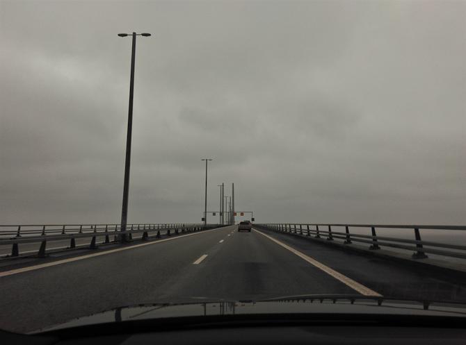 Vi krydsede bron