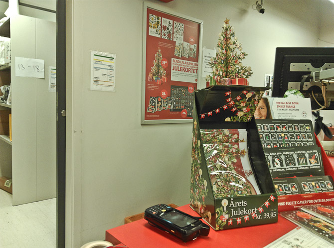 Der var julestemning på postkontoret