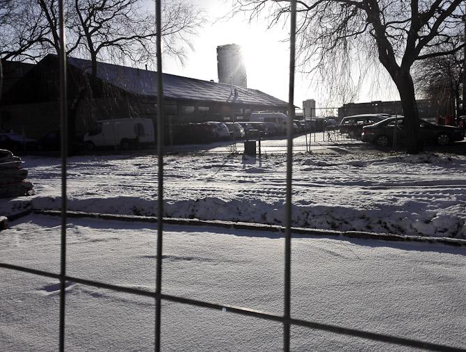 Sol, sne og gitter