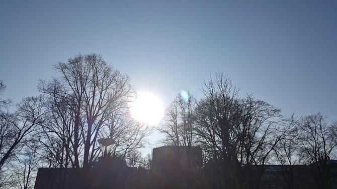 Solen skinnede på den nye trio