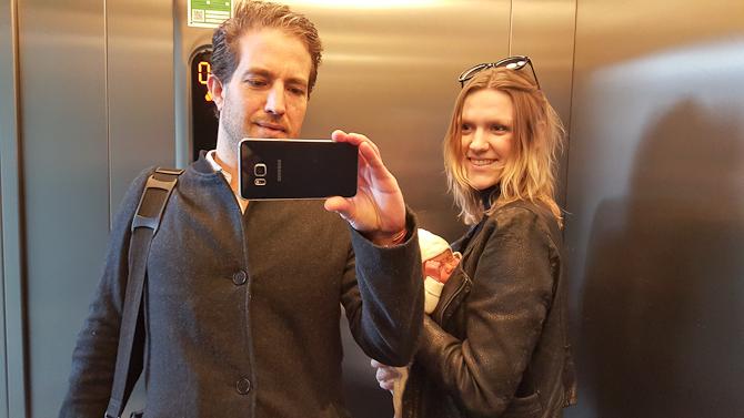 Elevatorskud med nyslået trio