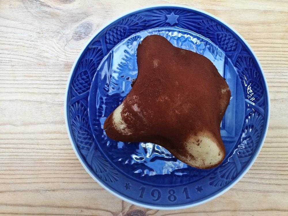 Jeg gik lidt mere ydmyg til værks og smed en kartoffelkage sammen. Fra bunden. Eller.. Ja, du ved.