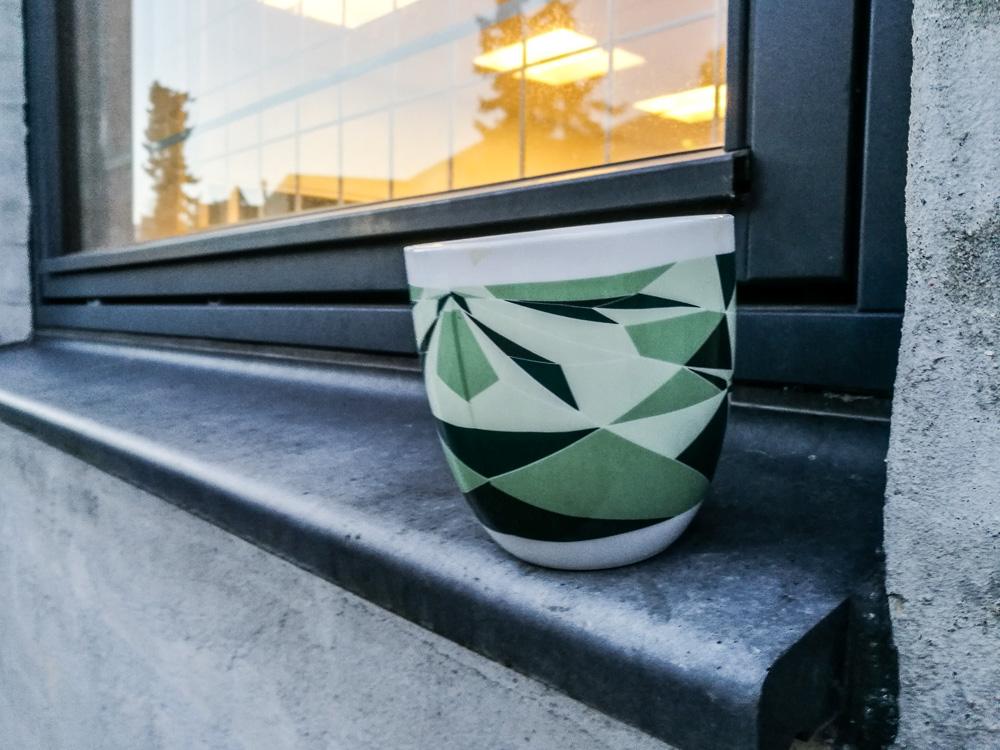 Hverdagskarm med kaffe i kop