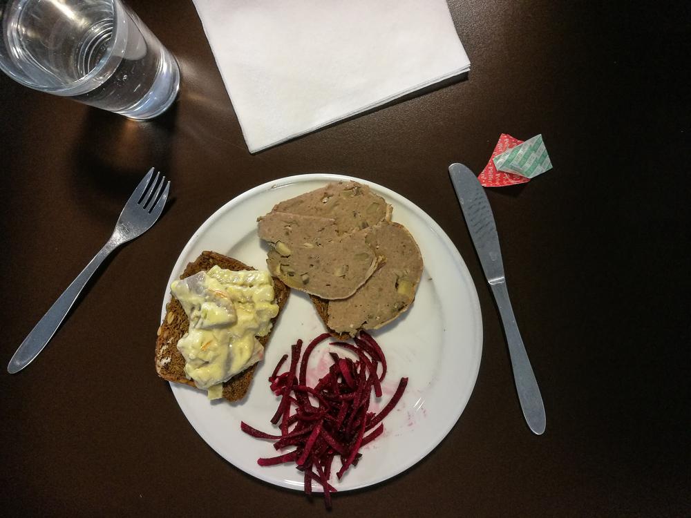 Sådan kan en festlig frokost se ud.