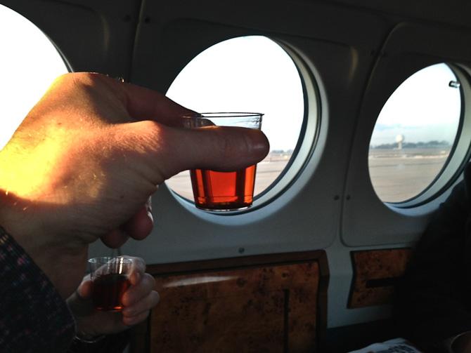 Vi skålede for sikker landing