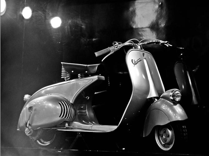 Denne model er ældgammel, men udstillet på en Vespa udstilling i 2012. Foto: RajatVash / WIKI