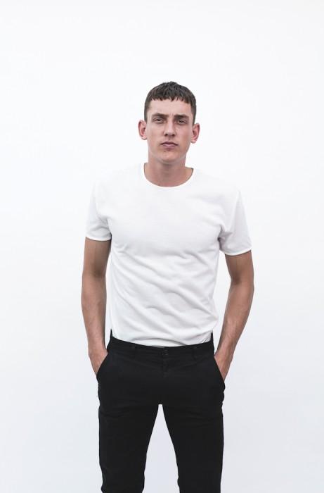Og den helt simple, men stadig fine hvide T-shirt