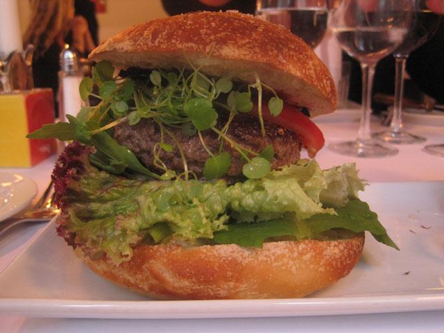 Less is not more - magert kød i hjemmebagt durumbolle. Og også med brøndkarse.