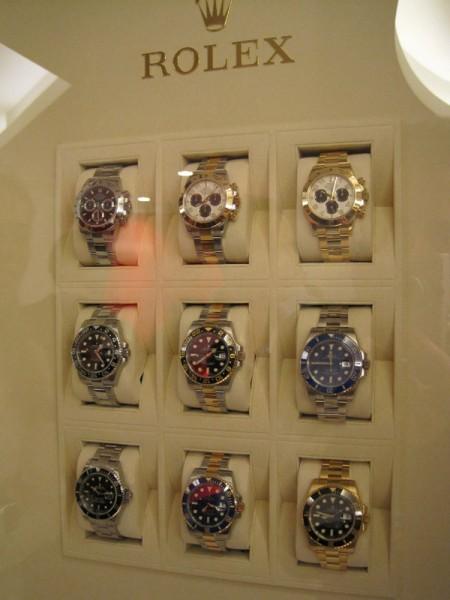 Rolex sager i diverse afskygninger og materialer.