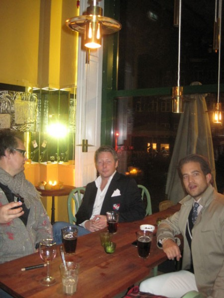 Per Hillo (hello), Kristian Brask Thomsen og Klingenberg. Samt øl.