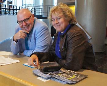 Tanneke Schoonheim met Ben Hermans op de Streektaalconferentie 2017