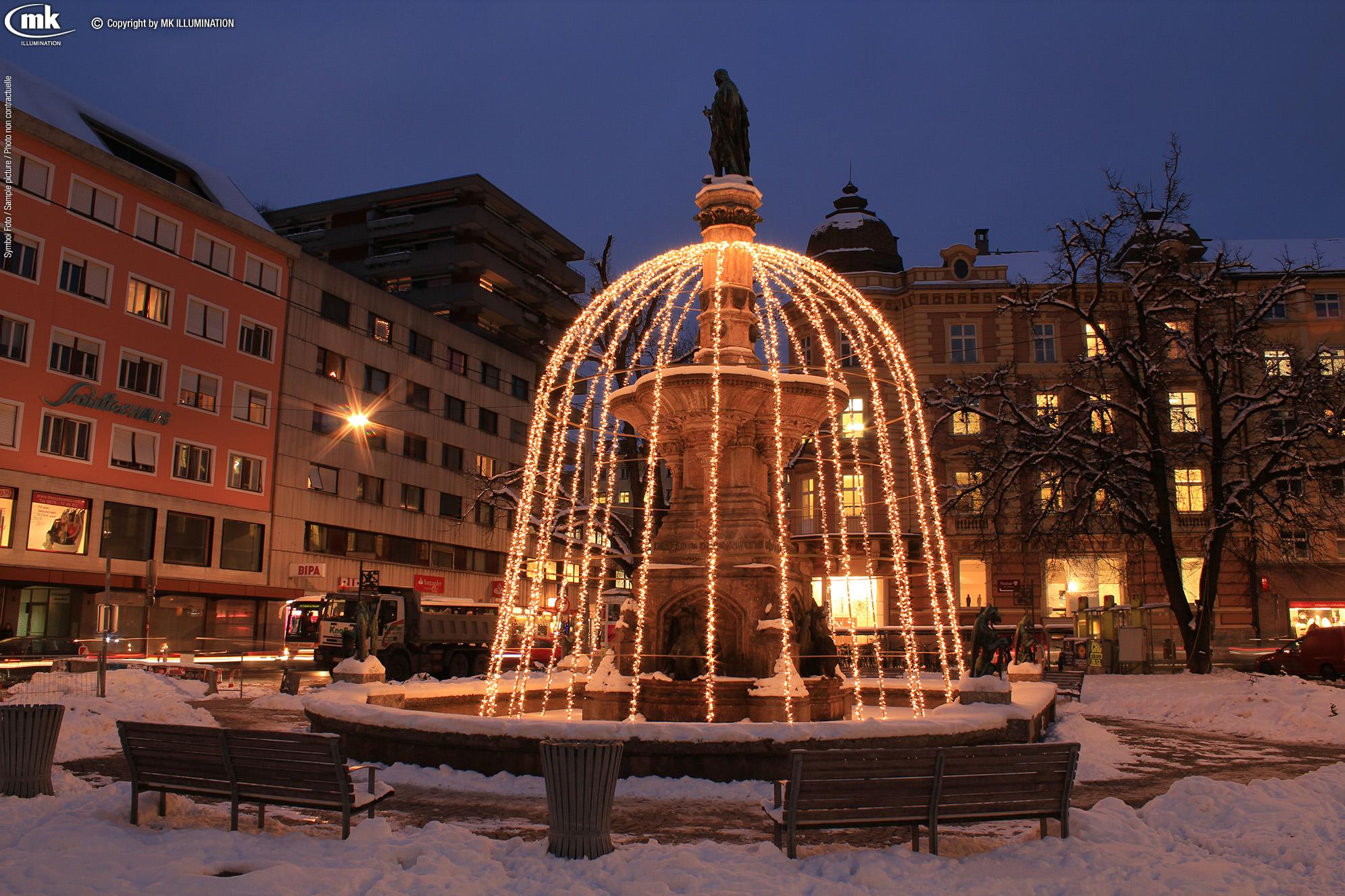 at_Innsbruck Bozner Platz_Rudolfsbrunnen_city_IMG_1758