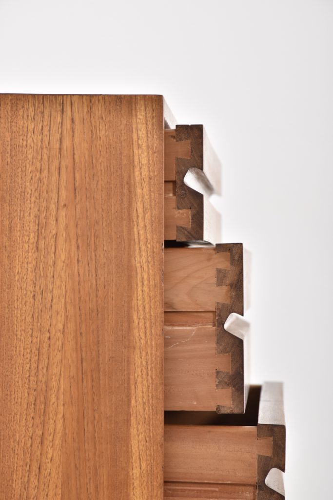 Detail large chest of drawers - 43,5h x 37,5d x 80l