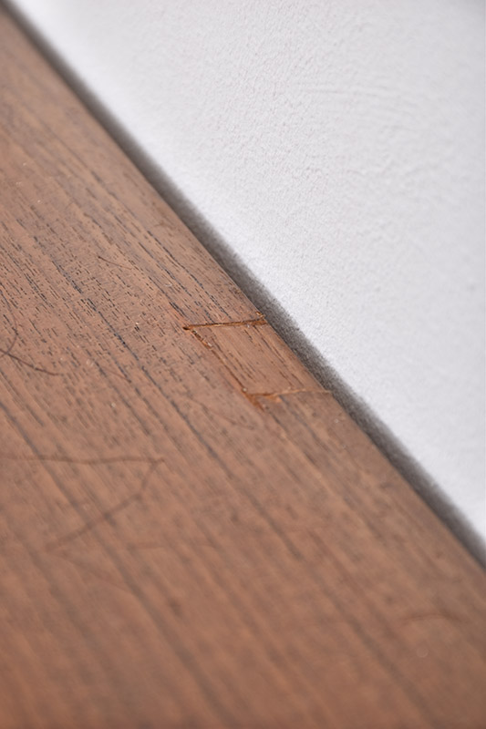 Using marks: wood restorations
