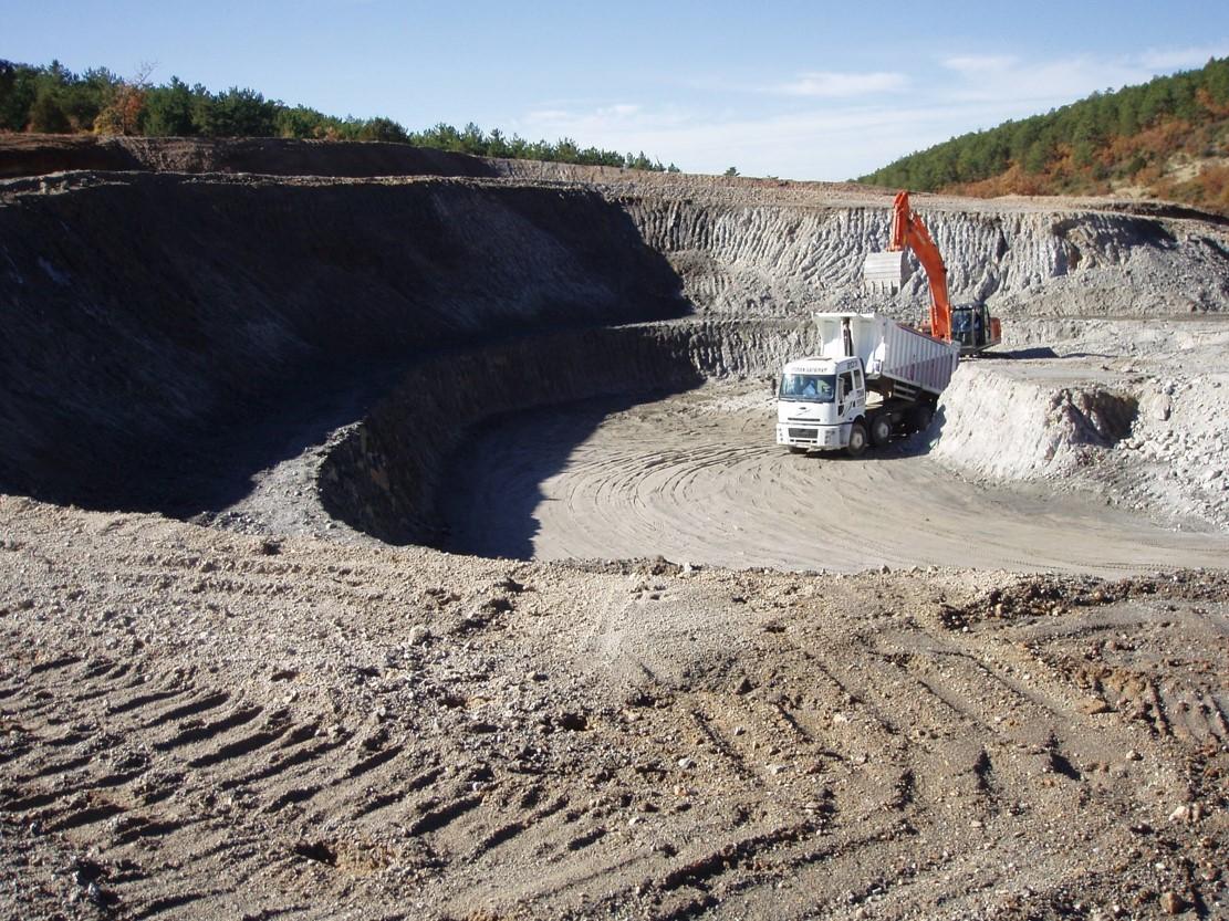 råperlite graves ud i miner