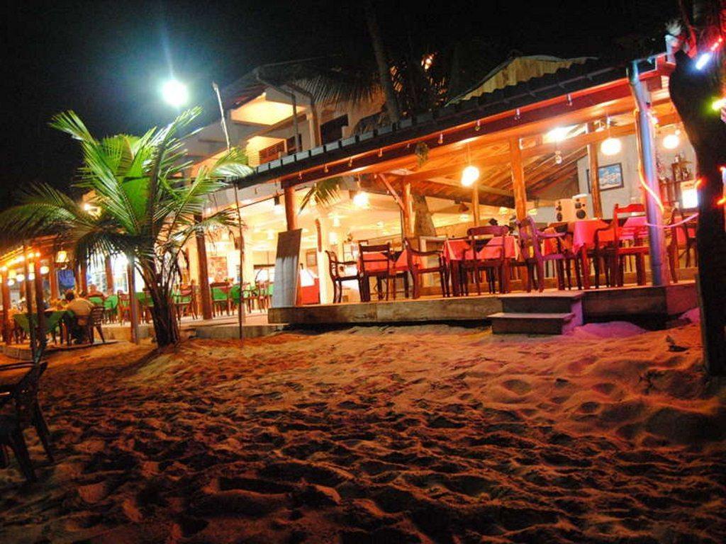 Restaurant beach Hikkaduwa