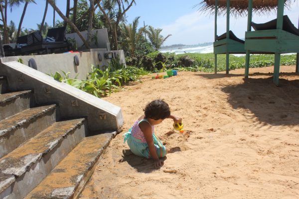 reise til Sri Lanka Med barn At Ease Beach Hotel