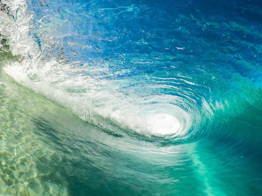 Surfing Sri Lanka Surf wave