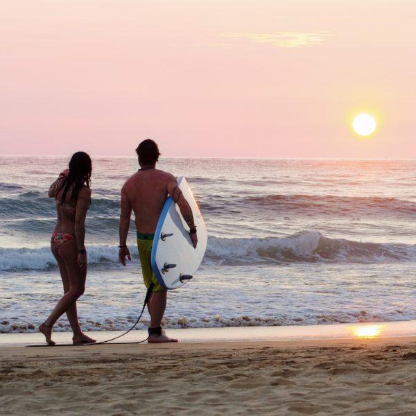 Surfing Hikkaduwa Sri Lanka solnedgang